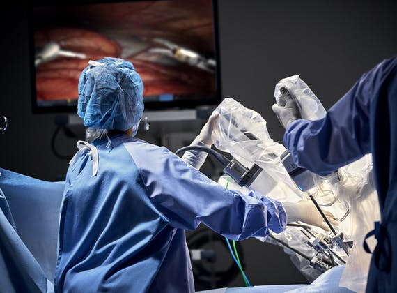 Da Vinci Robotic Surgery Operating Room Staff With Vision Cart